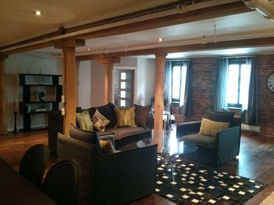 Best 2 Bedroom Apartment In Old Montreal Apartments For Rent With Pictures
