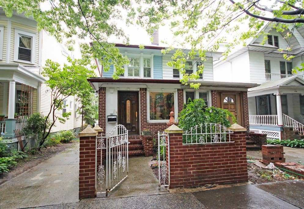 Best 3 Bedroom House For Rent In Brooklyn Ny 11224 Artist S Dit With Pictures