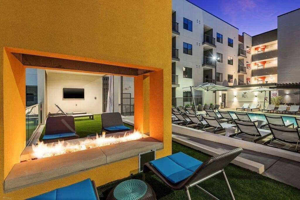 Best 2 Bedroom Apartment In Downtown Phoenix Apartments For With Pictures
