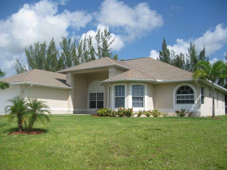 Best 4 Bedroom 2 Bath House With Pool Houses For Rent In Cape With Pictures