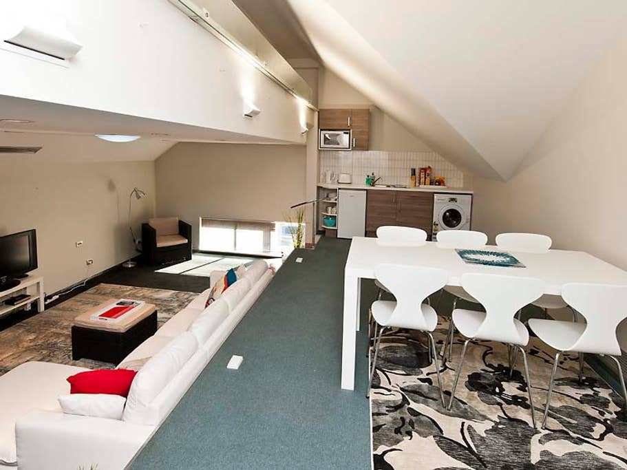 Best Bulwer Loft Apartment 2 Bedroom Apartments For Rent In Perth Western Australia Australia With Pictures