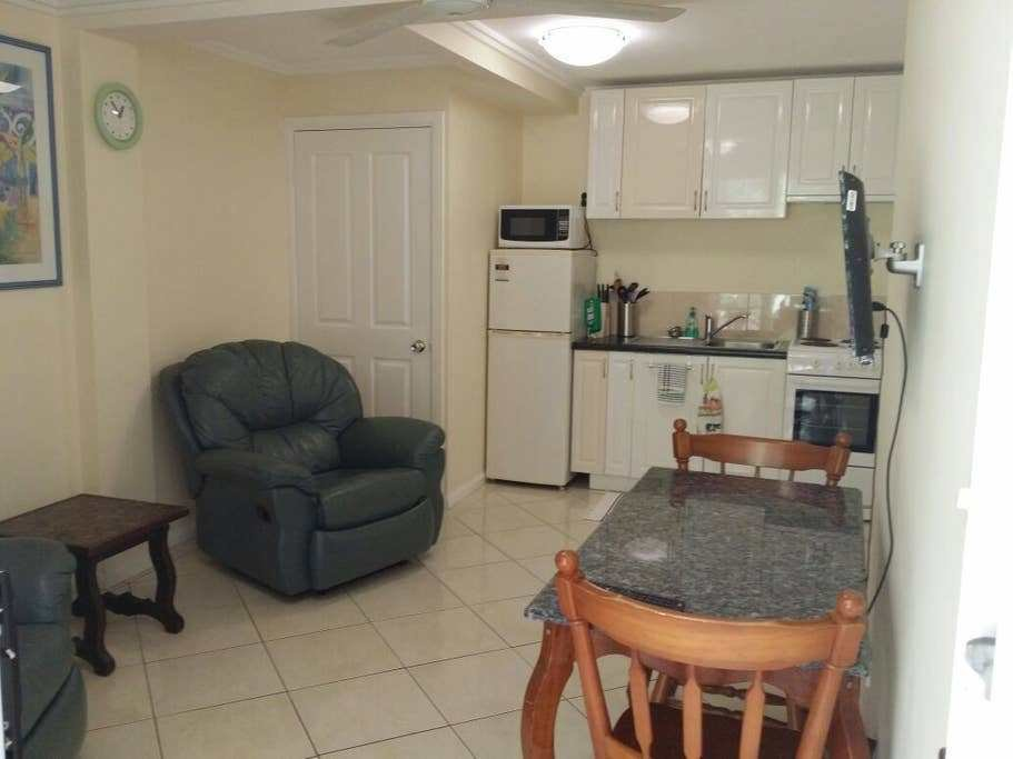 Best One Bedroom Apart With Everything Apartments For Rent With Pictures