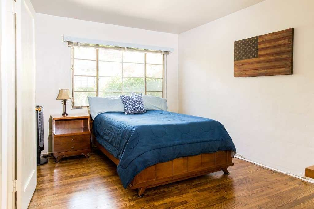Best 1 Bedroom Apartment Convenient Downtown Location With Pictures