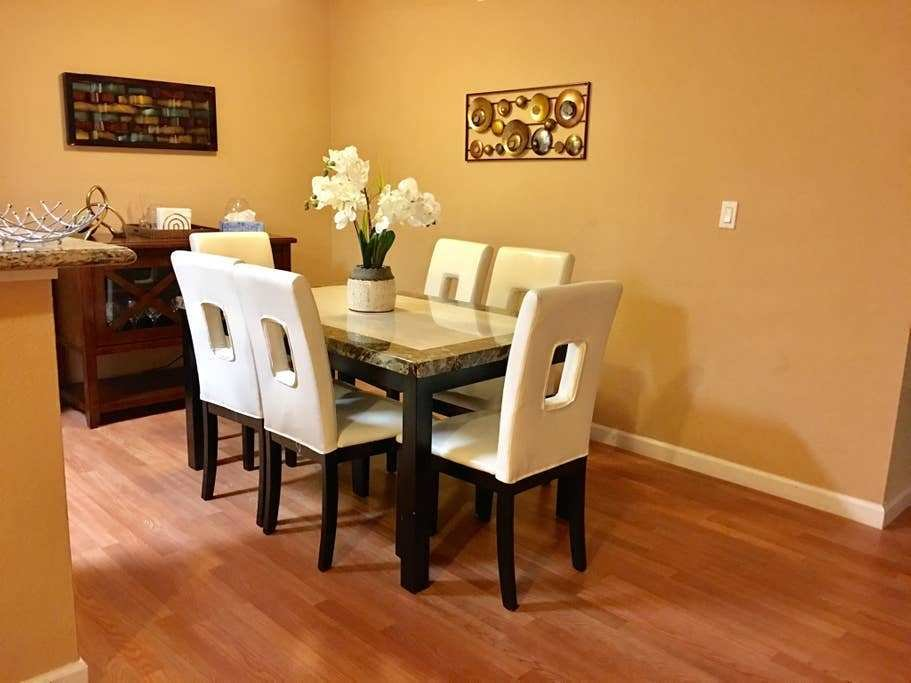 Best Cozy 2 Bedroom 2 Bathroom Condo Apartments For Rent In With Pictures