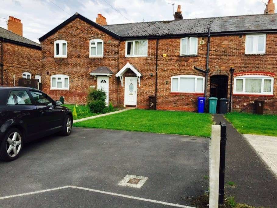 Best 3 Bedroom House In Burnage Houses For Rent In Manchester With Pictures