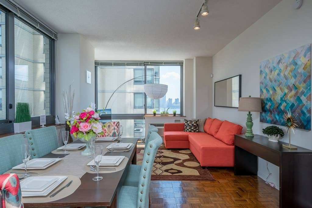 Best Two Bedroom Luxury Apartment Nyc Views Train With Pictures