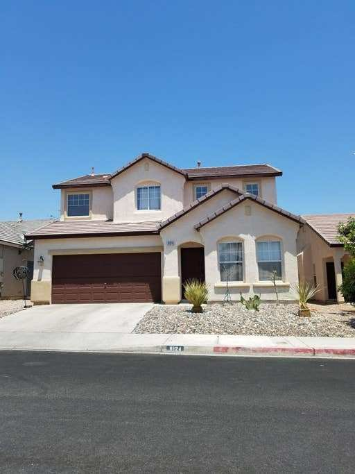 Best Two Story House 3 Bedroom 2 5 Bath Houses For Rent In Las Vegas Nevada United States With Pictures