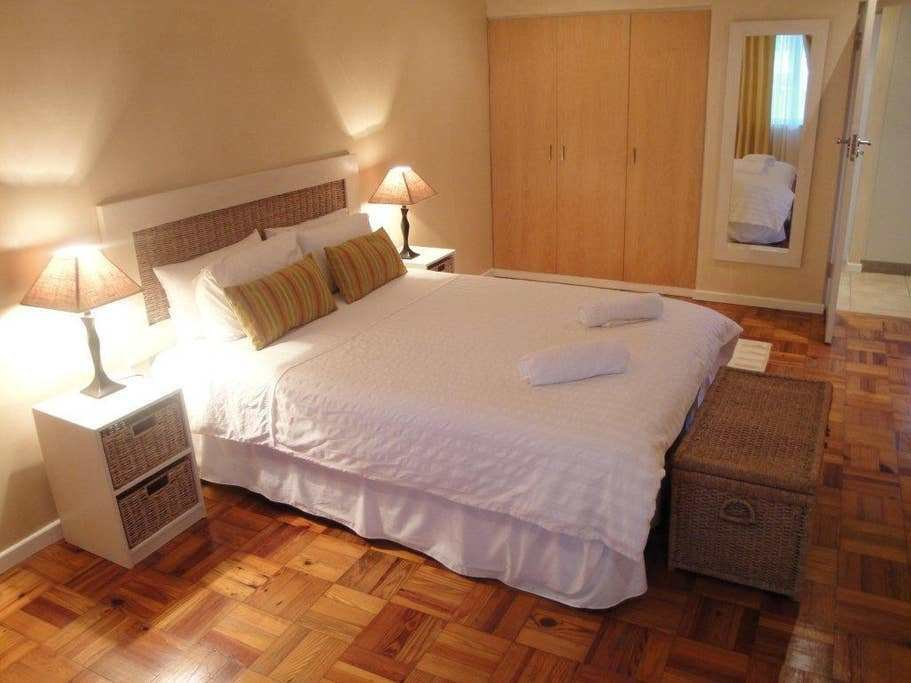 Best 205Ec 1 Bedroom Garden Facing Serviced Apartments For Rent In Cape Town Western Cape South With Pictures