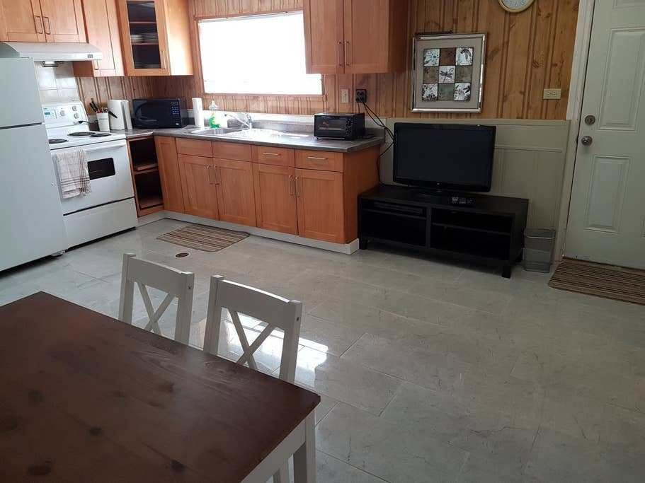 Best 2 Bedroom Private Entry Basement Suite Guest Suites For With Pictures