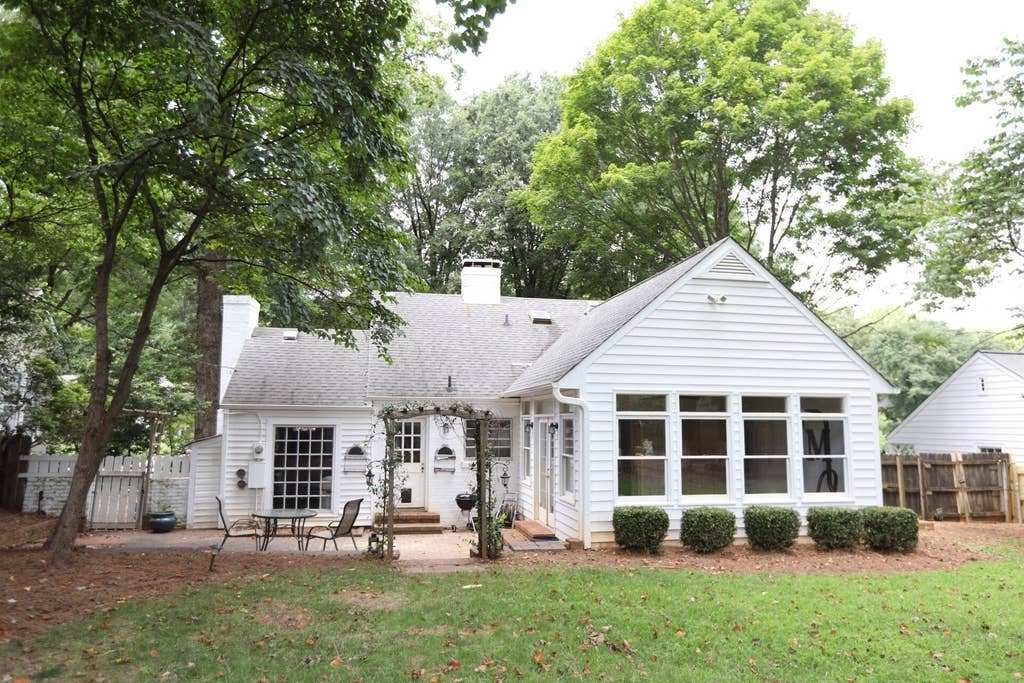 Best Adorable Two Bedroom House Perfect Location Houses For With Pictures