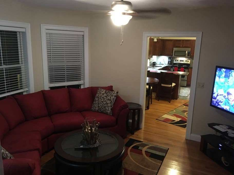 Best Awesome 3 Bedroom Apartment On The 3Rd Floor Apartments With Pictures