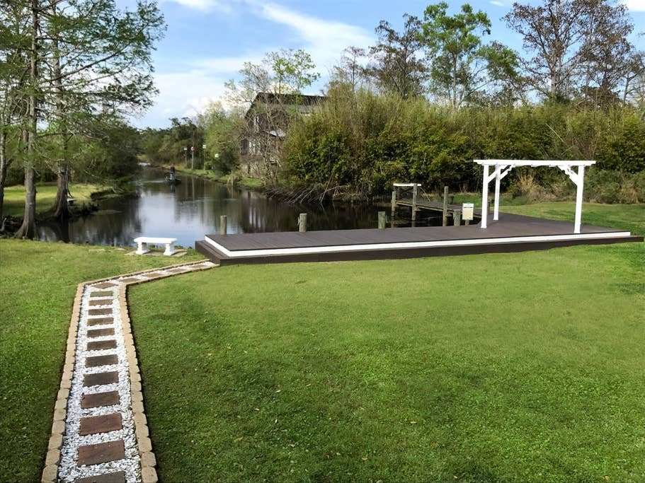 Best Bijou On The Bayou Waterfront Home Houses For Rent In With Pictures