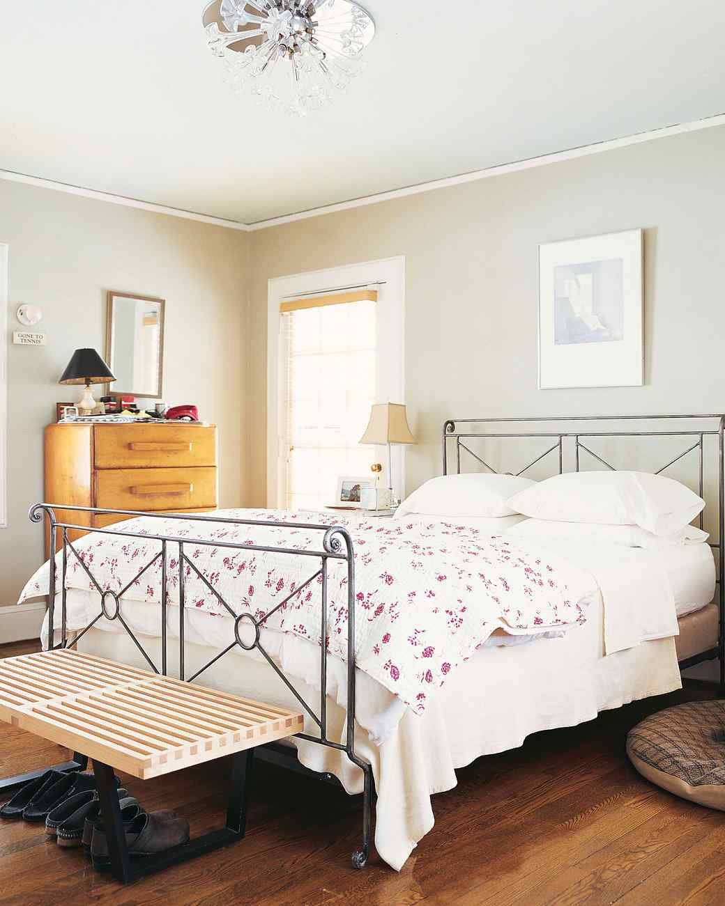 Best Bright Ideas For A Budget Friendly Master Bedroom Makeover With Pictures