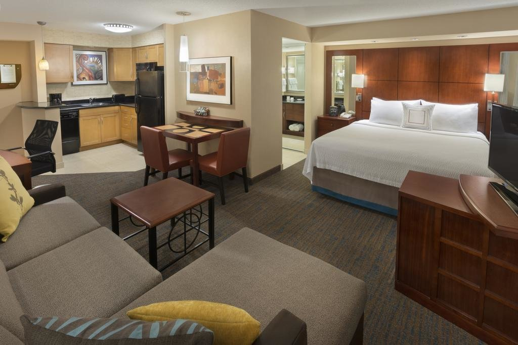 Best Residence Inn Toronto Downtown Toronto On 255 Wellington With Pictures