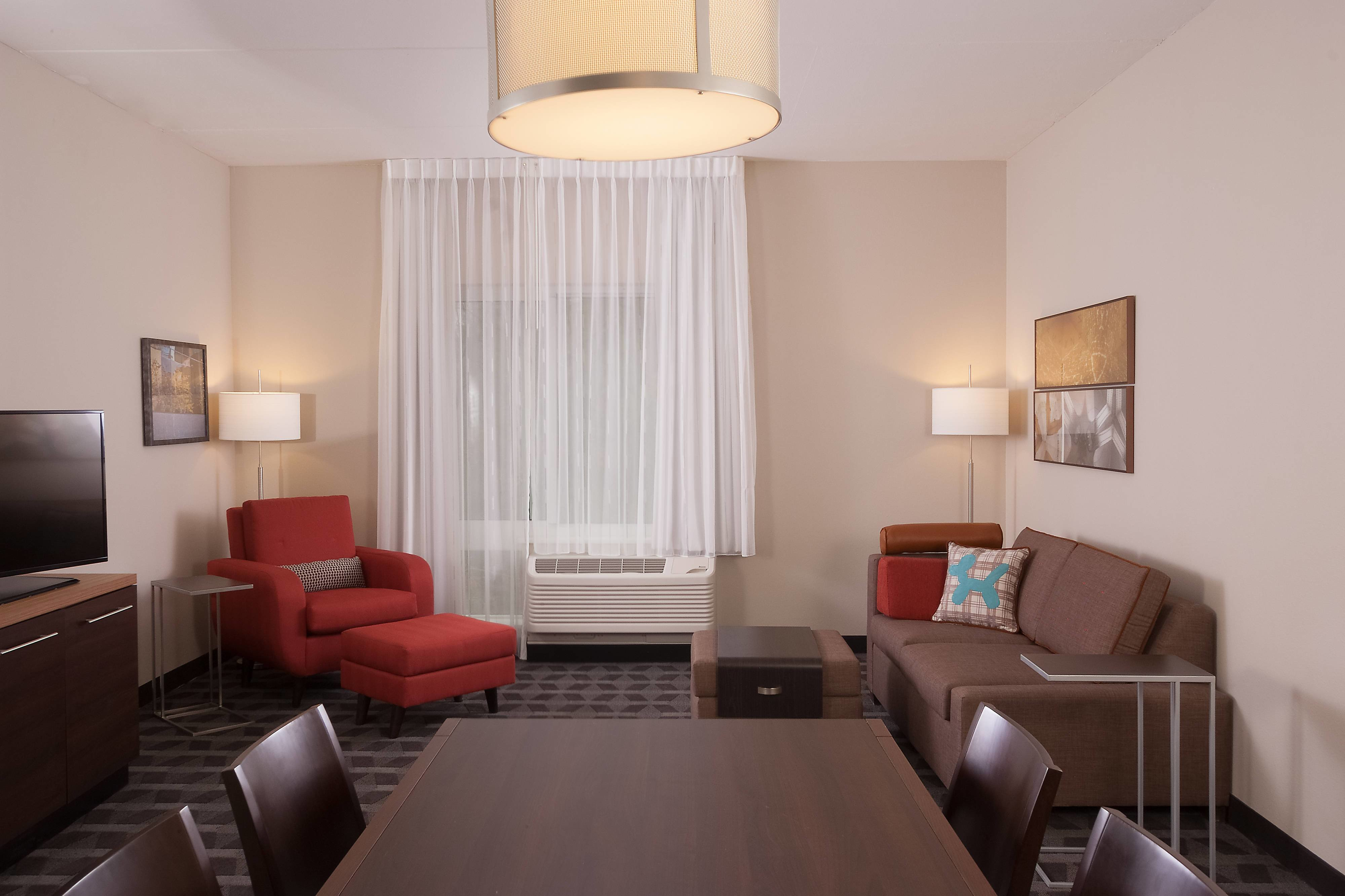 Best Hotel Rooms Amenities Towneplace Suites Charleston With Pictures