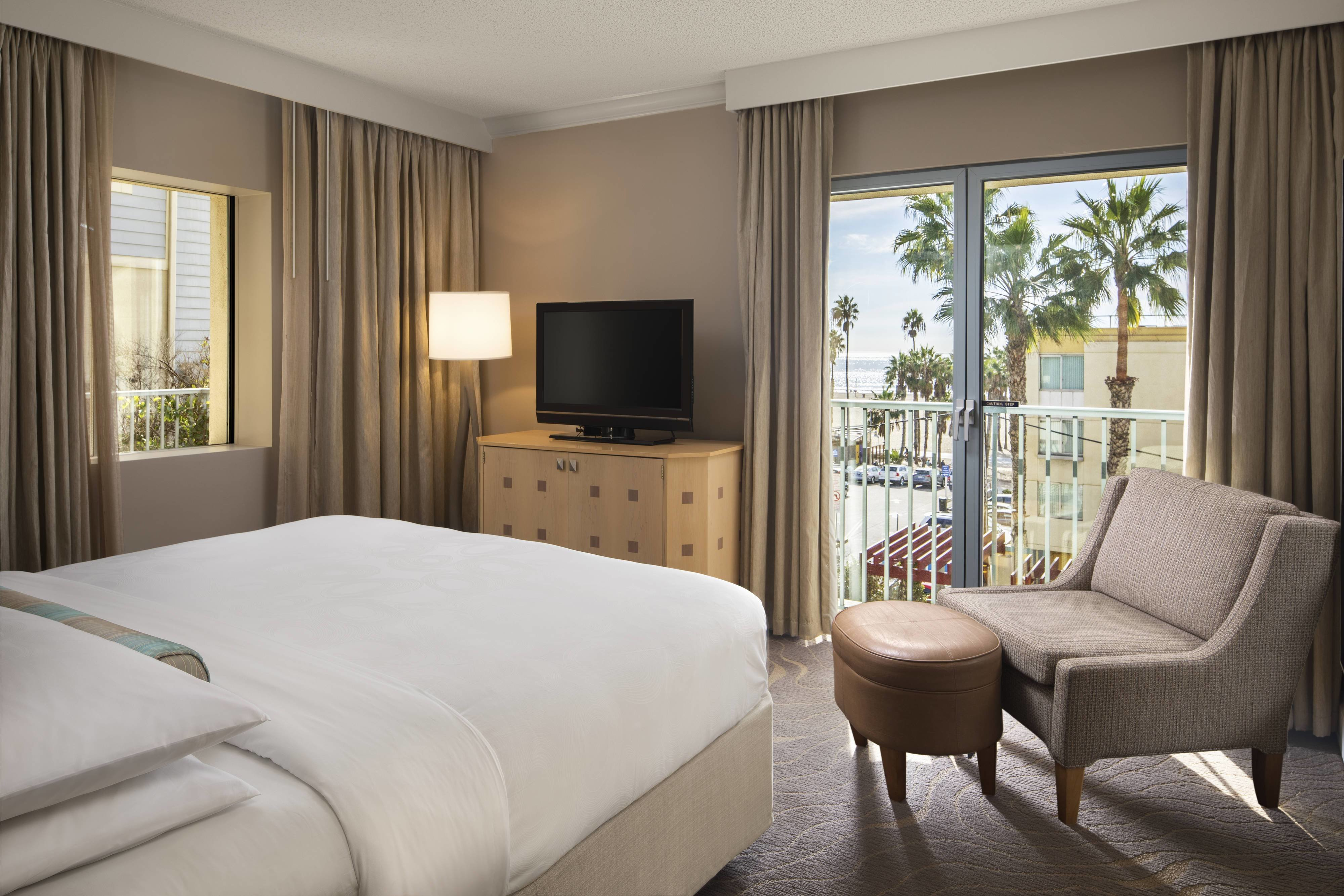 Best Santa Monica Hotel Rooms And Suites Jw Marriott Santa With Pictures
