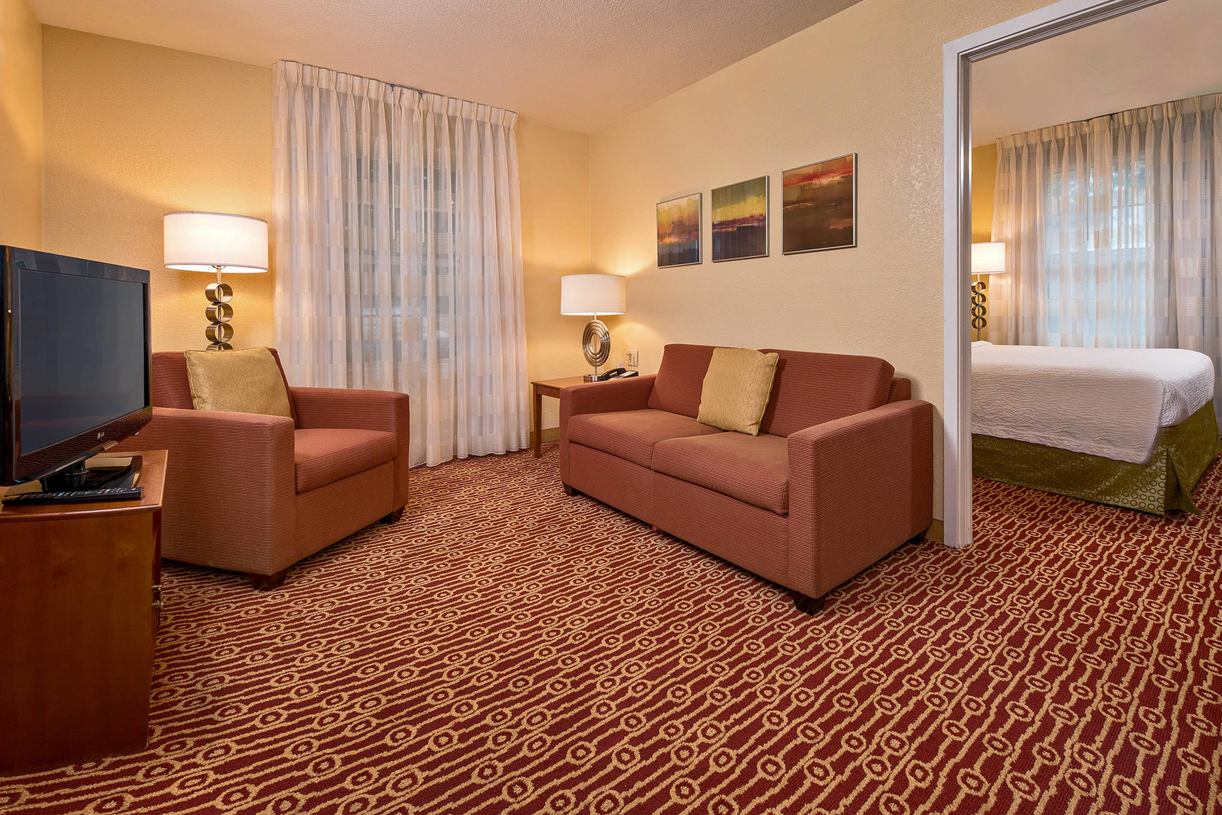Best Extended Stay Hotels In Yorktown Va Towneplace Suites With Pictures