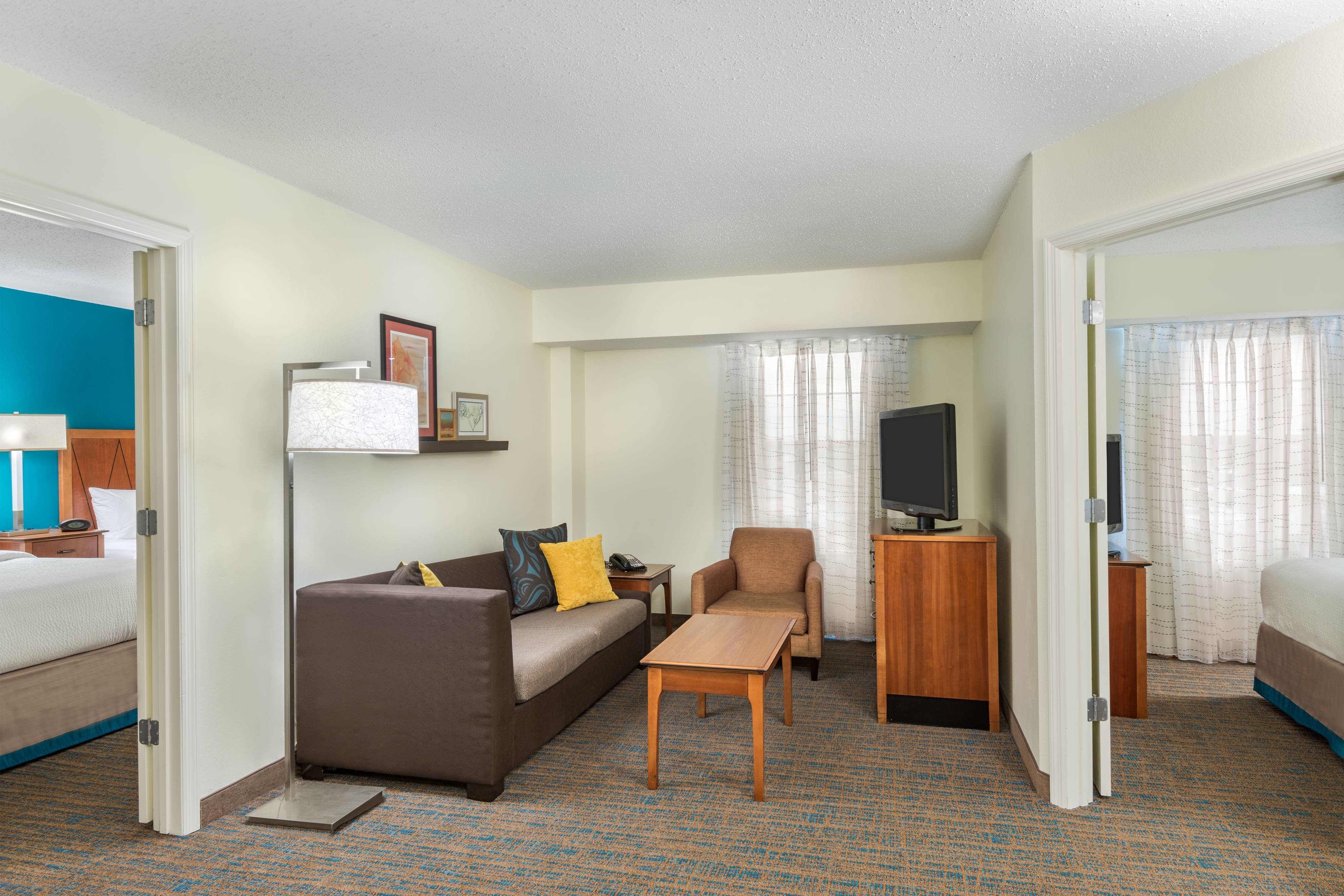 Best Hotel Rooms Amenities Residence Inn St Louis Downtown With Pictures