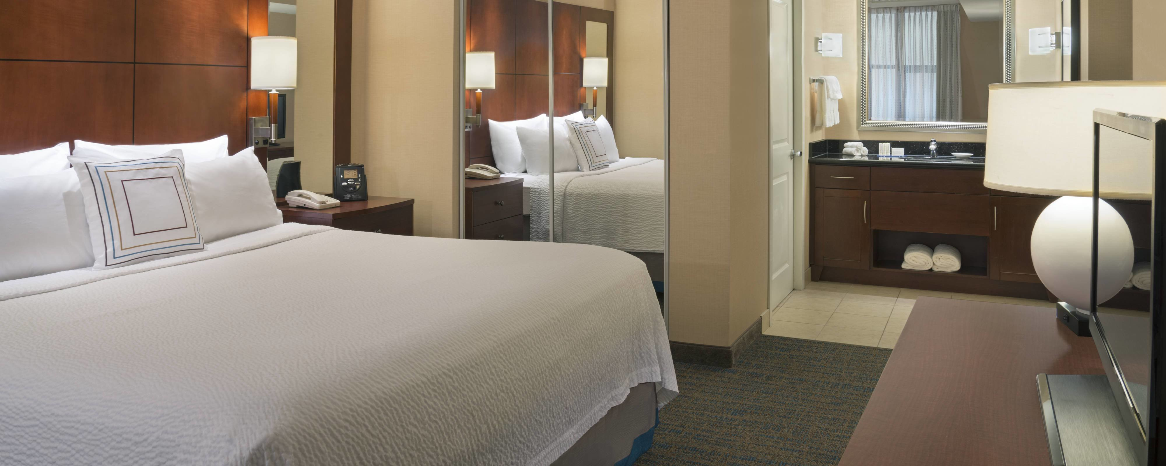 Best Extended Stay Toronto Hotel Residence Inn Toronto Downtown With Pictures