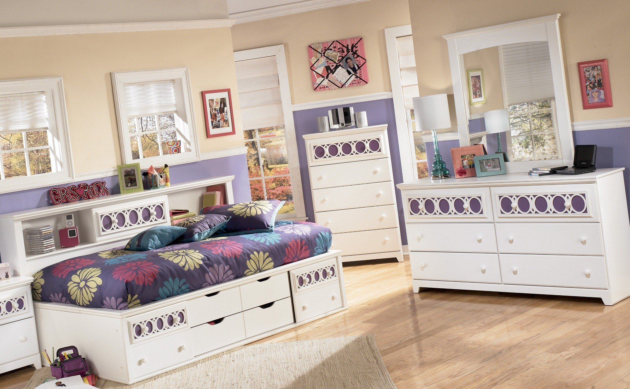 Best Signature Design By Ashley Zayley Bookcase Bedroom Set With Pictures