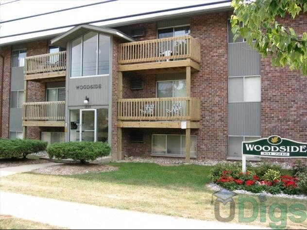 Best Woodside Apartments At 1800 Haslett Road In East Lansing Mi 1 Bedroom Apartment Apartment For With Pictures