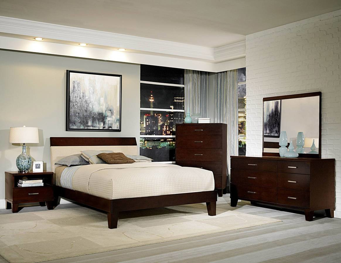 Best Claran Dark Cherry Wood King Master Bedroom Set The With Pictures