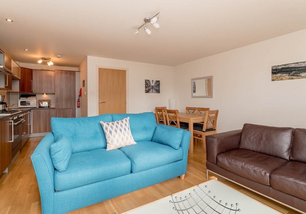 Best Modern Two Bedroom Holiday Apartment In Edinburgh City With Pictures