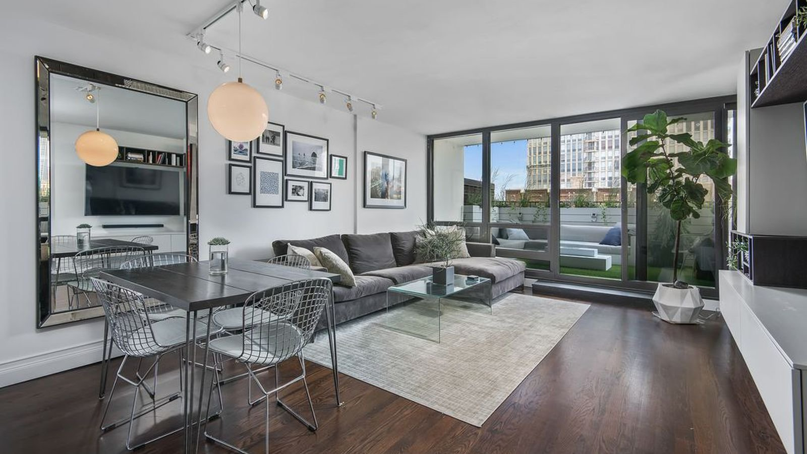 Best This Old Town Condo Is Probably The Slickest One Bedroom With Pictures