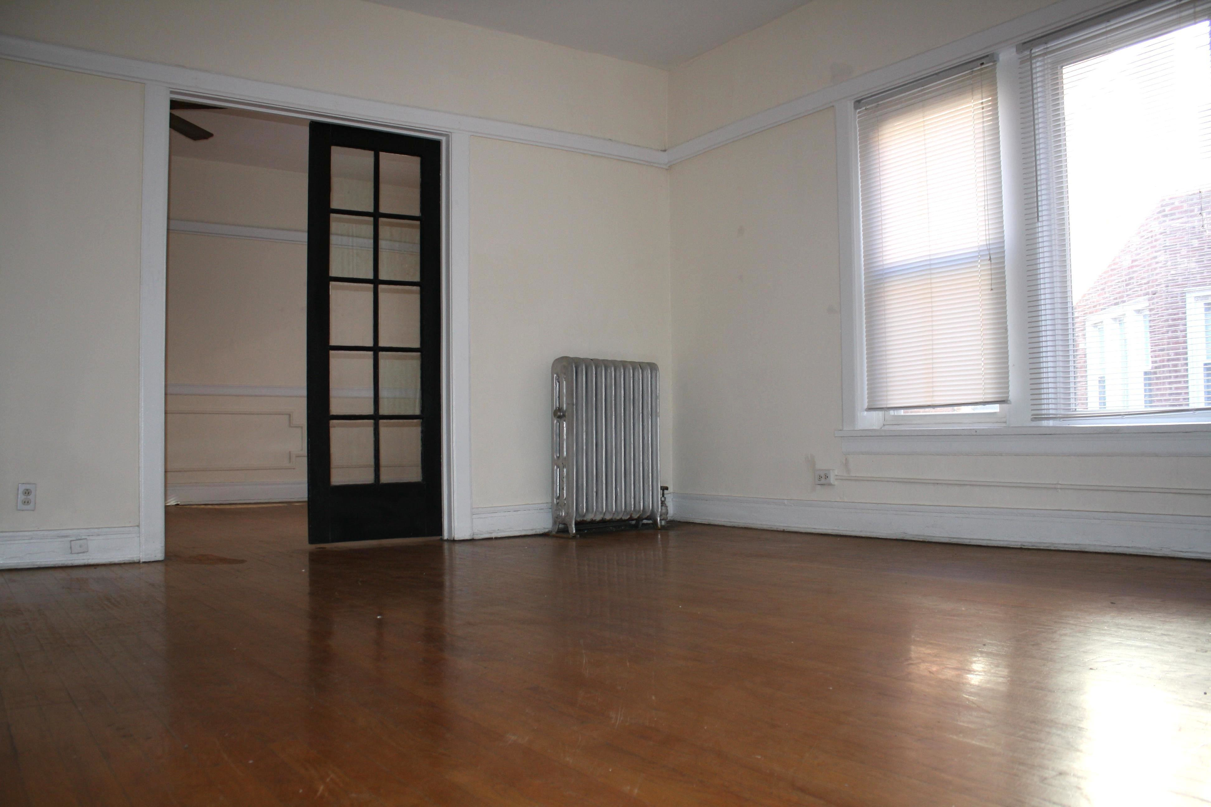 Best Chicago Three Bedroom Apartments Renting For 1 500 Or With Pictures