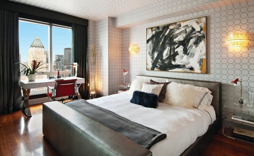Best How To Give Character To A Bedroom With A Painting Over With Pictures