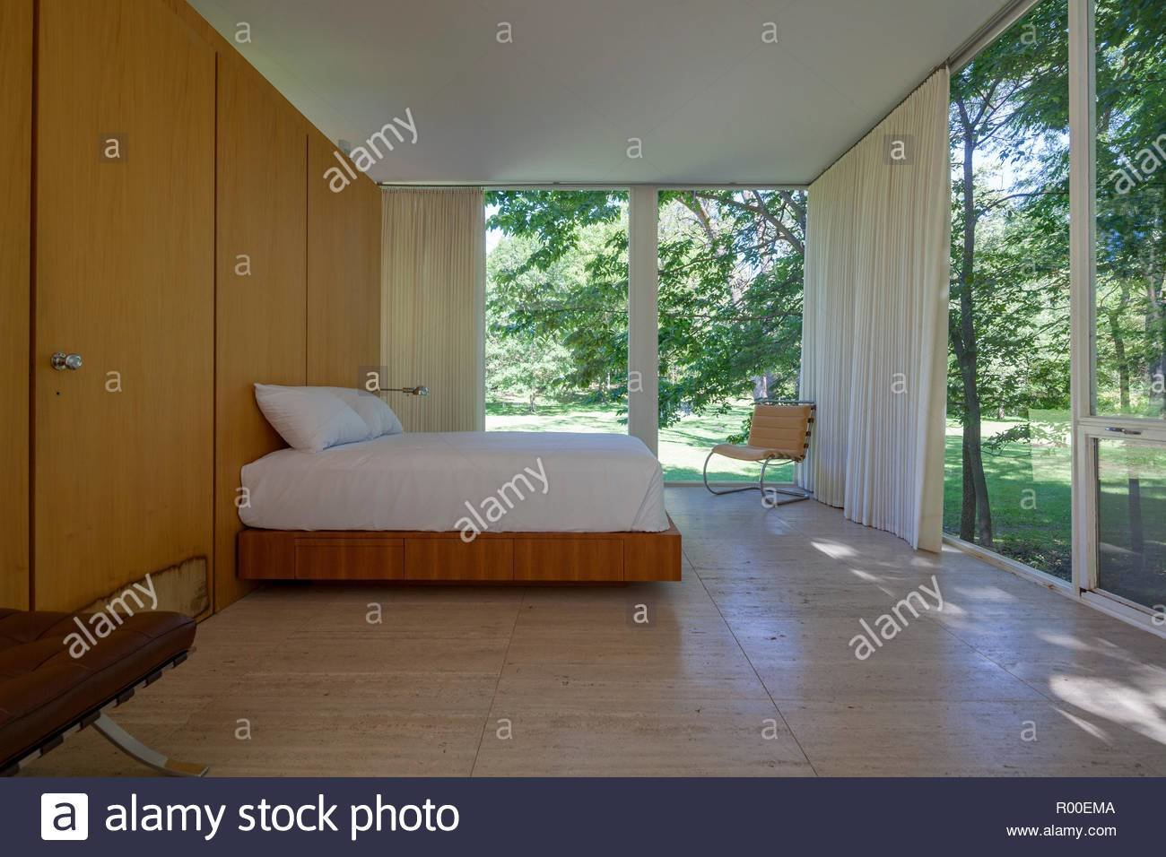 Best Farnsworth House Mies Interior Stock Photos Farnsworth House Mies Interior Stock Images Alamy With Pictures
