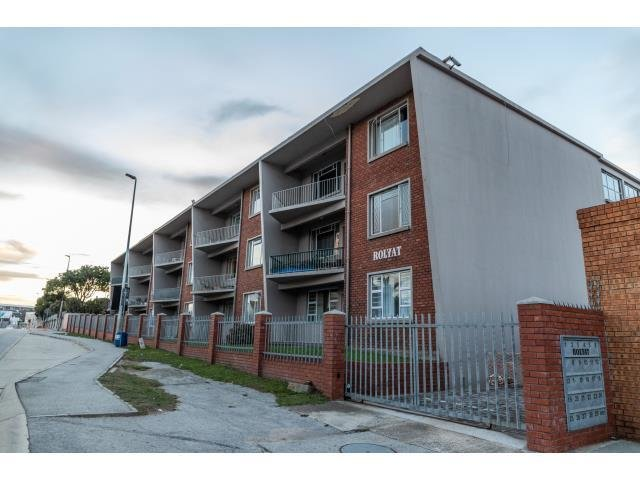 Best 2 Bedroom Flat To Rent In South End For Zar 6 900 Re Max With Pictures