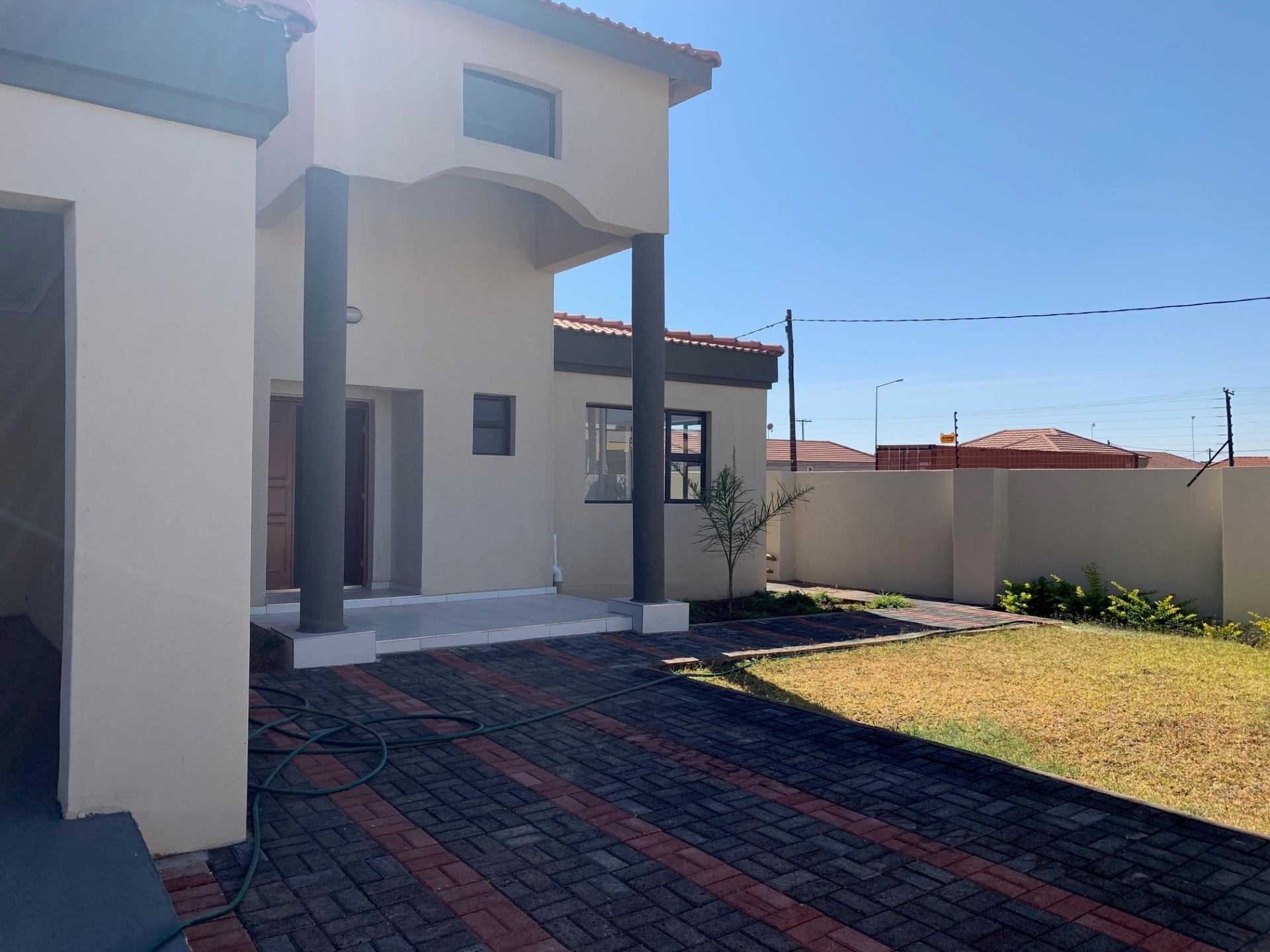Best 3 Bedroom House For Sale In Gaborone Re Max™ Of Southern Africa With Pictures