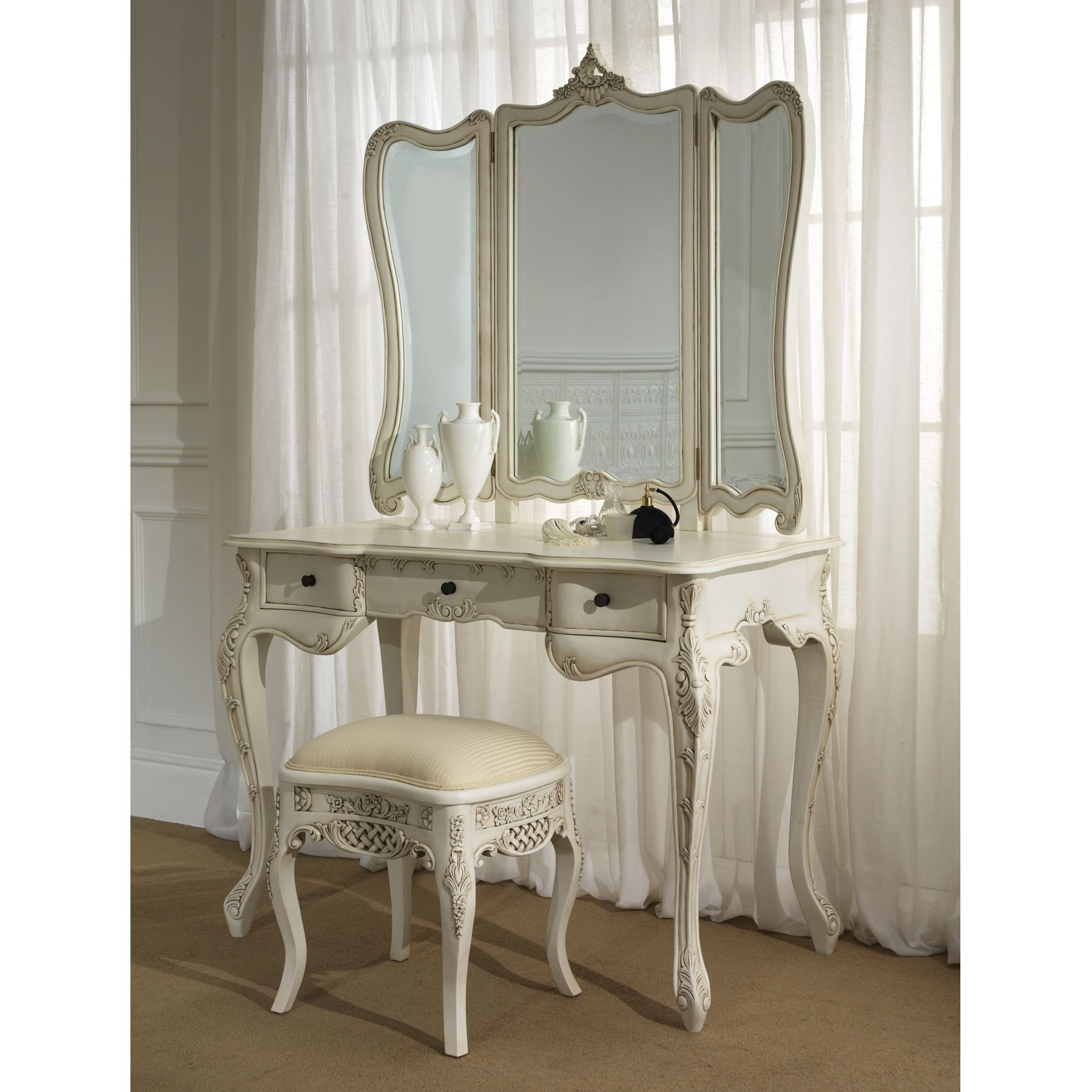Best Vintage White Bedroom Furniture Sets Uk Greenvirals Style With Pictures