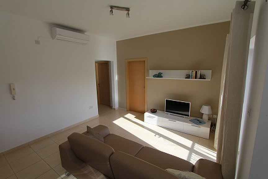 Best 2 Bedroom Apartment St Julians €845 For Rent With Pictures