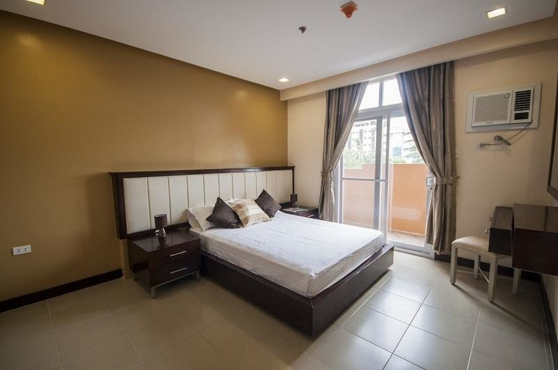 Best Furnished 2 Br Apts For Rent Near Ayala Sm And It Park With Pictures