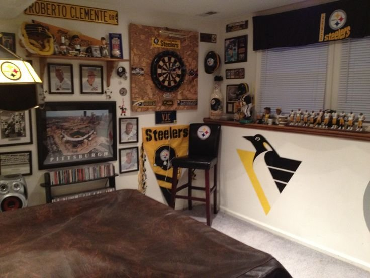 Best 25 Small Game Rooms Ideas On Pinterest Man Cave With Pictures