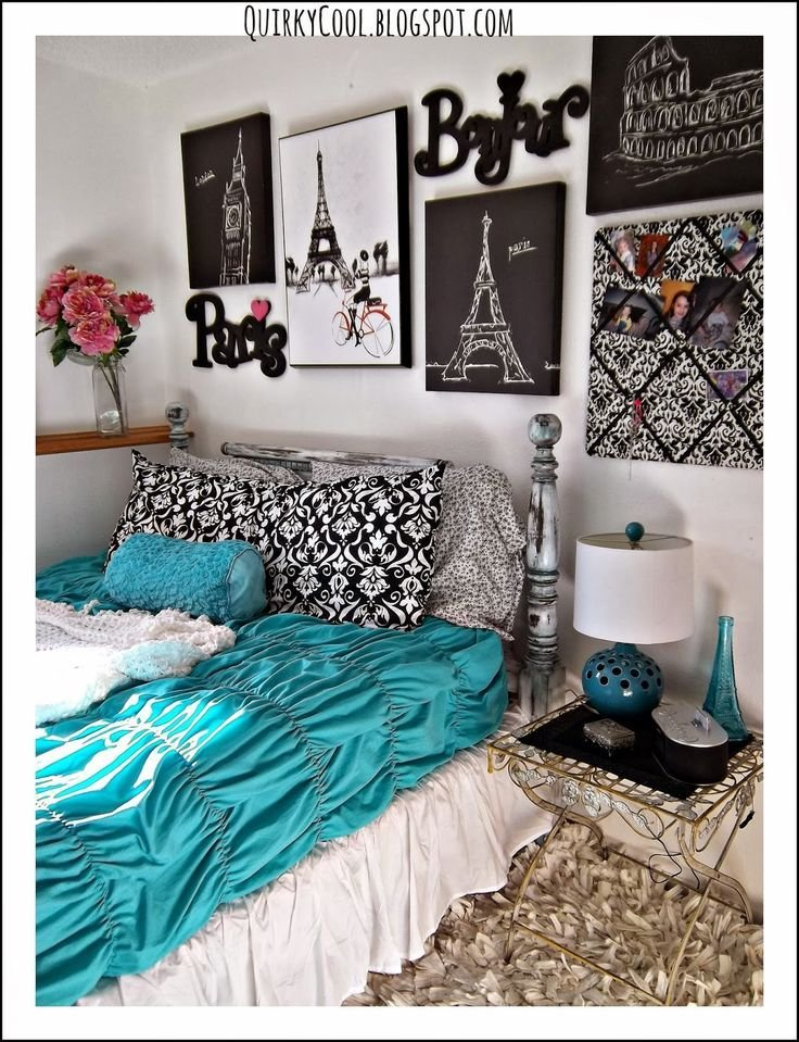 Best Quirky Cool A Parisian Chic Room That Diy Party Highlights Paris Room Decor Paris Rooms With Pictures