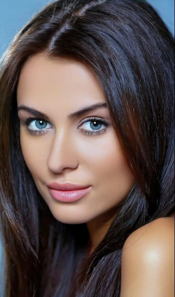 Free Pin By Roger Goode On The Most Beautiful Eyes Hair Hair Wallpaper