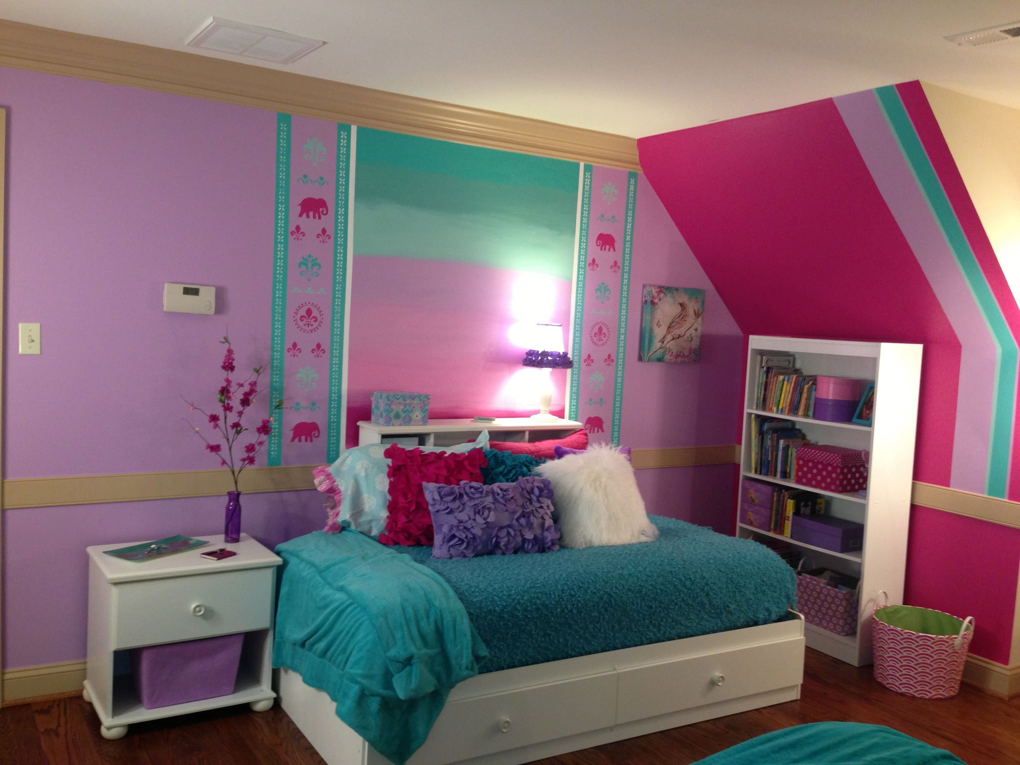 Best Making The Most Of Space With A Twin Bed 7 Year Old Wanted Pink Elephants On Wall Little With Pictures