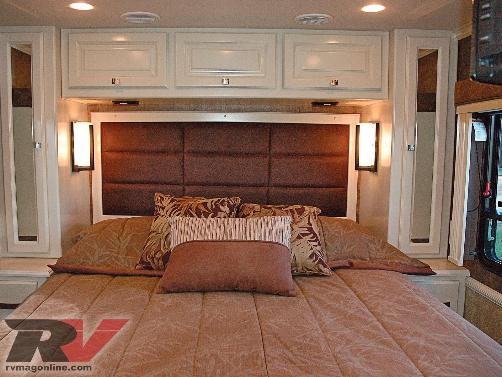 Best Rv Bedroom Ideas Allegro Breeze Compact Class A With Pictures