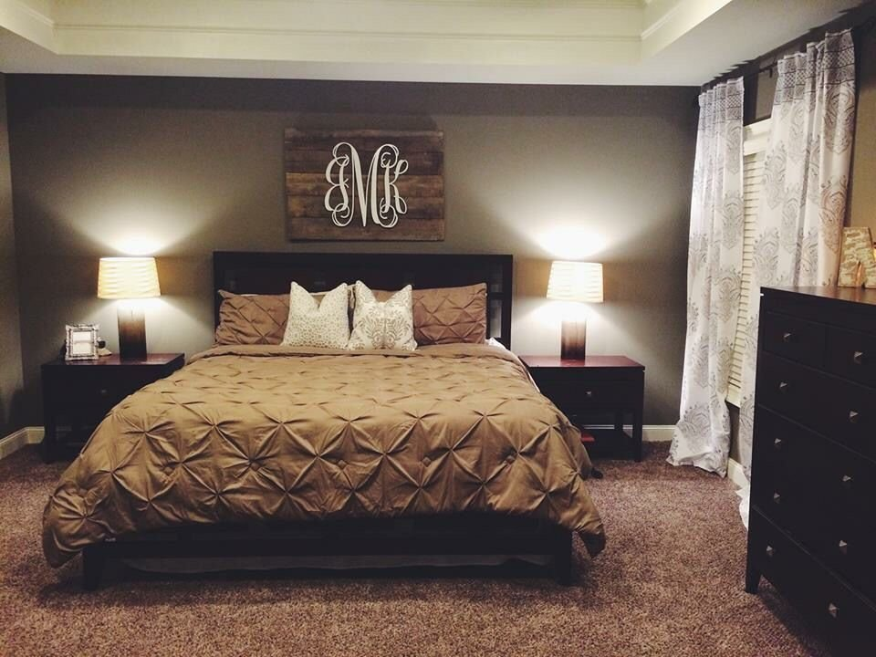 Best Neutral Bedroom With Pallet Monogram For Our Home Bedroom Decor Home Bedroom Home Decor With Pictures