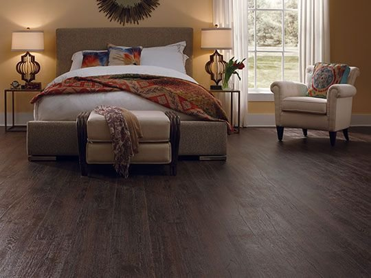 Best Dark Laminate Flooring Creates A Warm And Comfort Feel In With Pictures