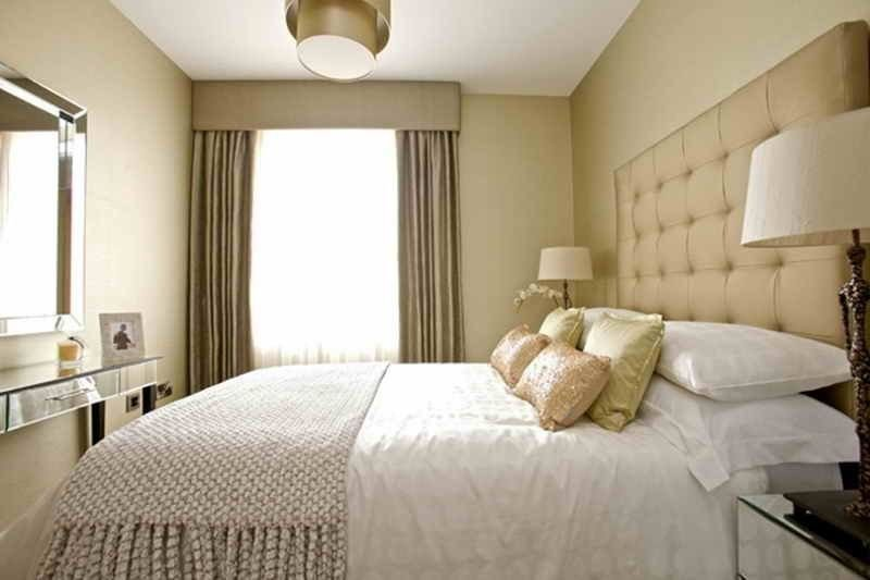 Best How To Decorate A Small Bedroom With A King Size Bed With Pictures