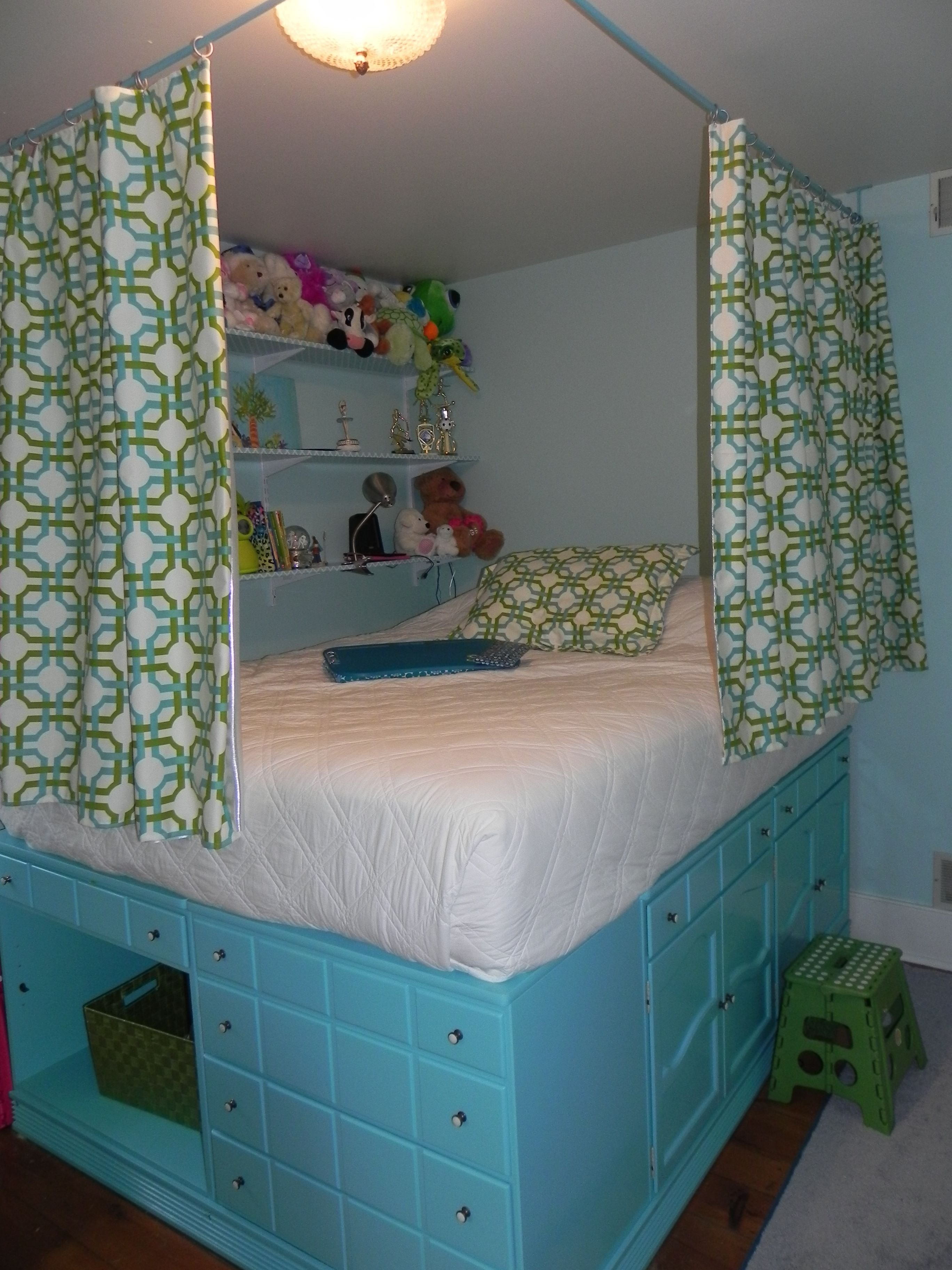 Best Claire S Bedroom Repurposed Dressers Used To Lift Bed With Pictures