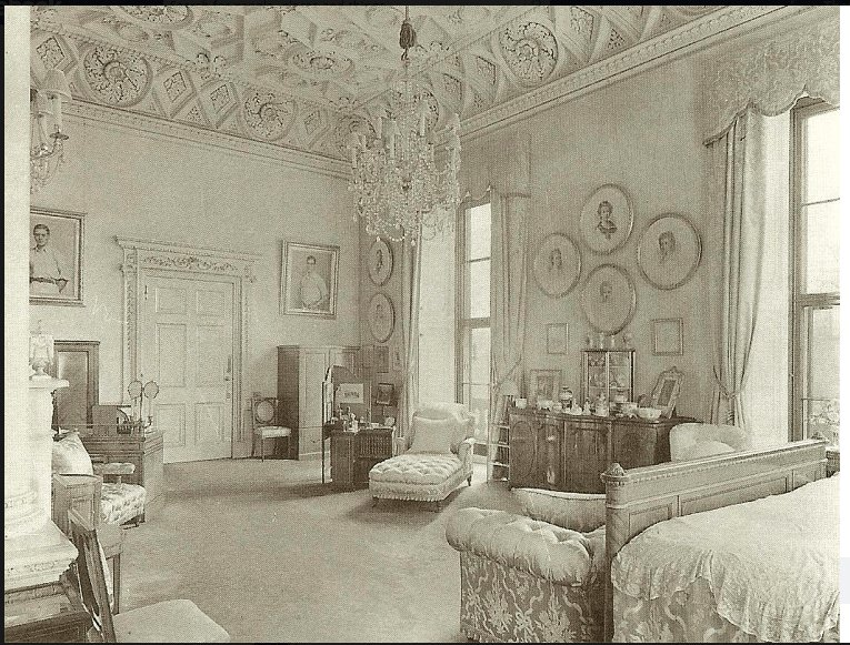 Best Buckingham Palace Bedrooms Queen Mary's Bedroom At With Pictures