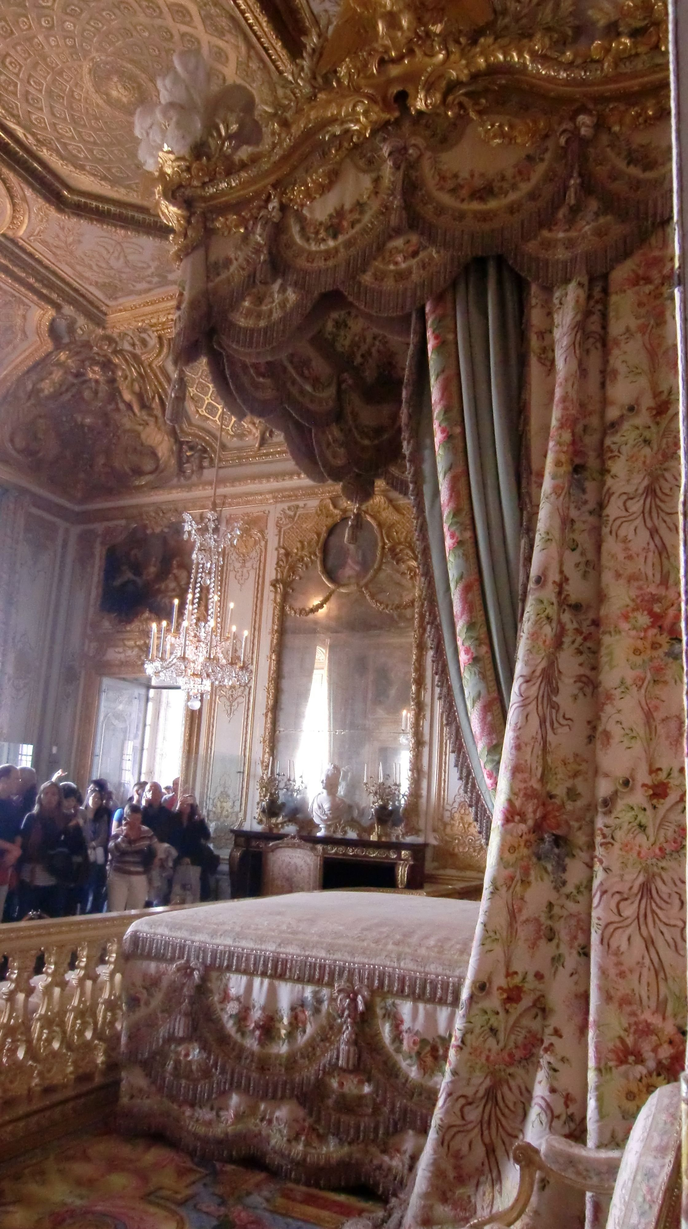Best Royal Bedroom Chateau De Versailles Bedroom Royal With Pictures