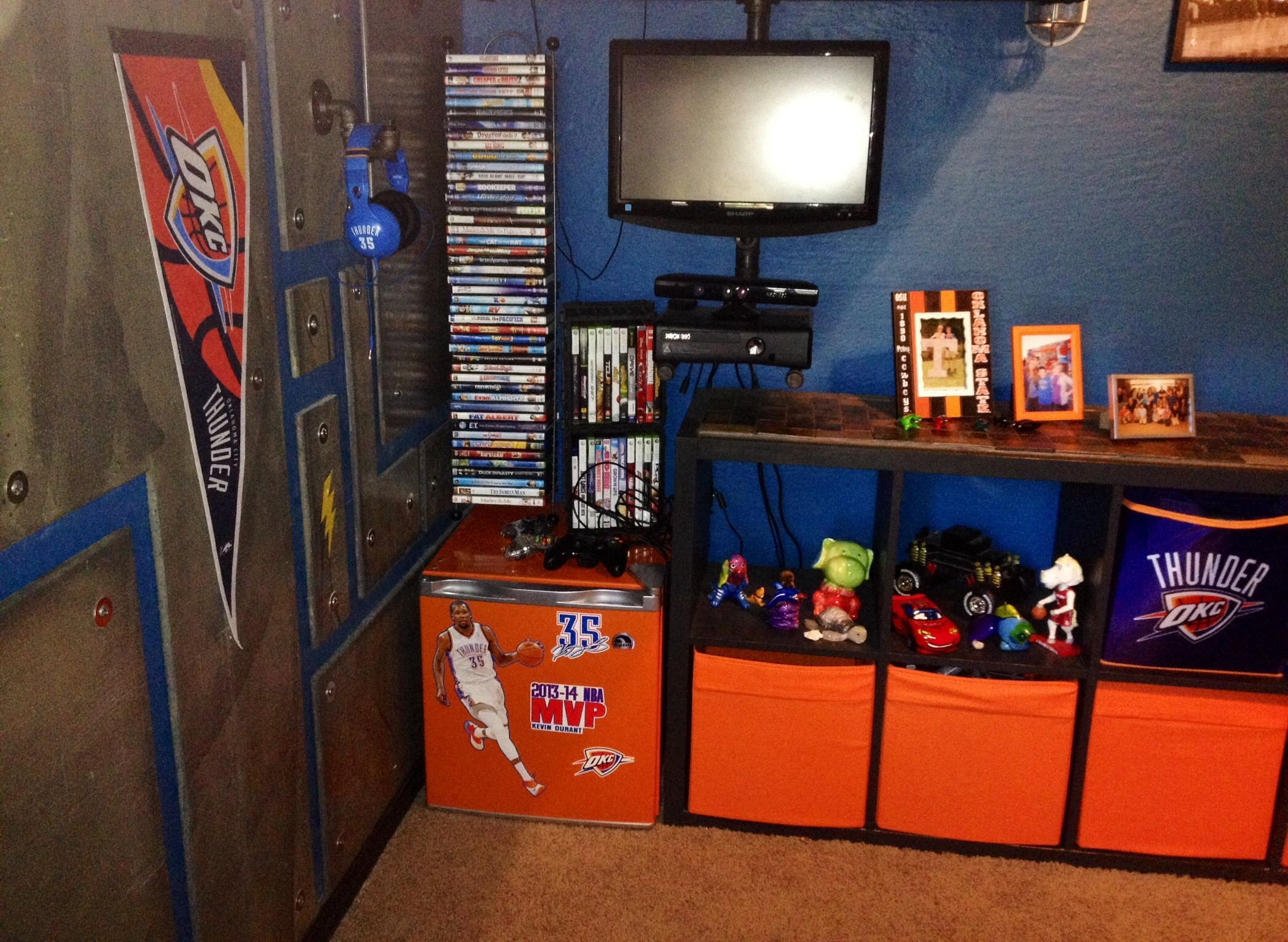 Best Okc Thunder Bedroom Okc Thunder Basketball Bedroom With Pictures