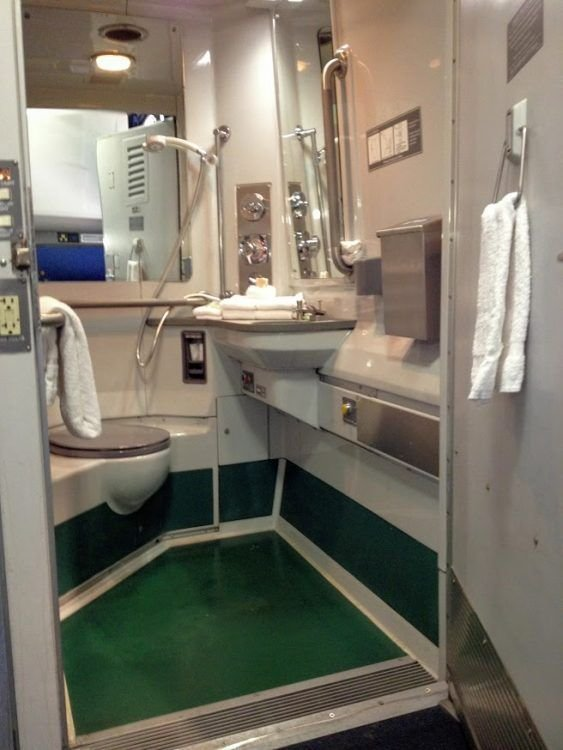 Best All About Amtrak Sleeping Accommodations On Overnight With Pictures