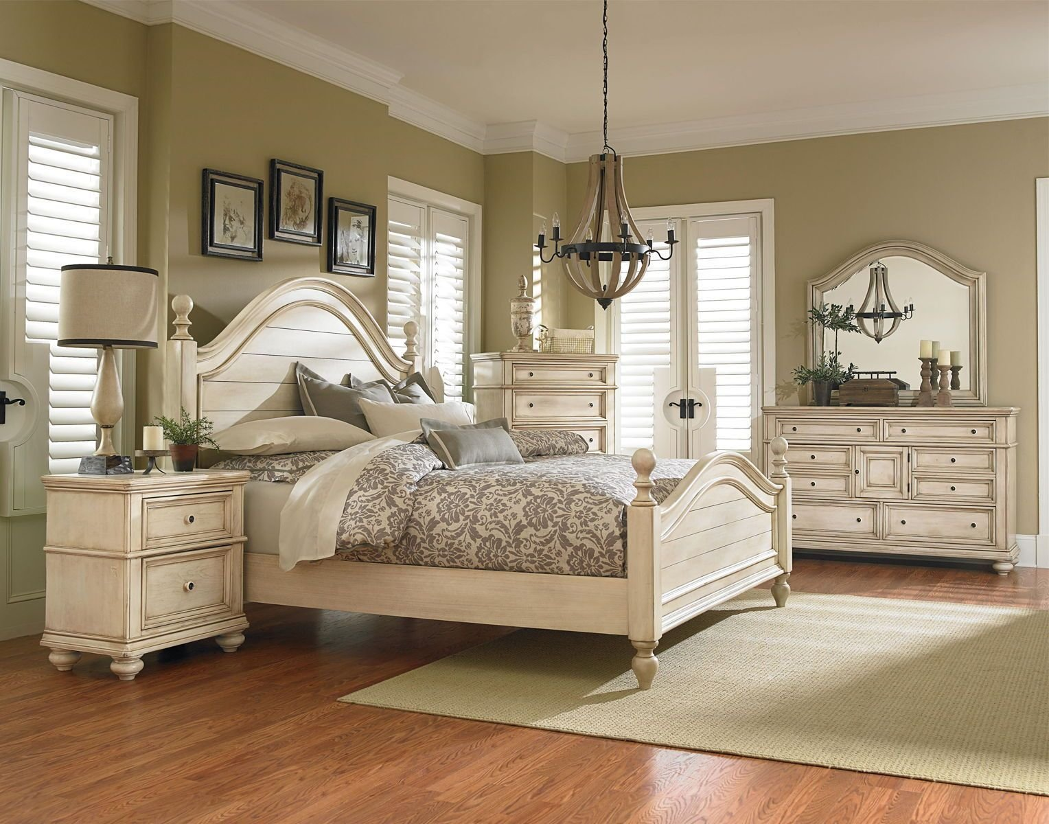 Best Standard Furniture Chateau Poster Bedroom Set In In Bisque With Pictures
